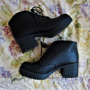 Black laced up platform ankle boots chunky heel